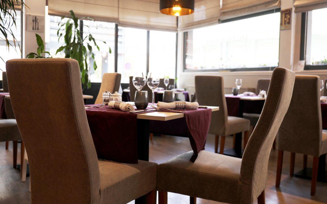 salle du restaurant la coupe d'or lisieux calvados normandie